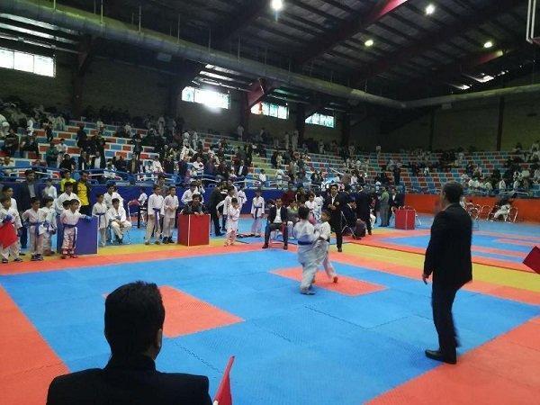 درخشش ورزشکار چهارمحالی در رقابت های کاراته کشور