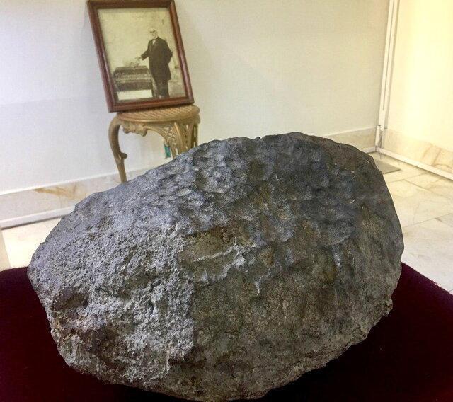 700 قطعه شهاب سنگ در کاخ گلستان