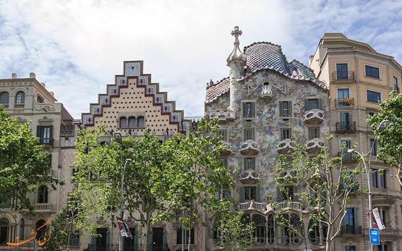 خیابان پسیج دِ گراسیا، معروف ترین خیابان در بارسلون