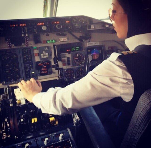 خودنمایی چندین ساله بانوان ایرانی در قامت خلبان و کمک خلبان، حضور بانوان در بخش های هوایی و کادر پروازی چشمگیر است