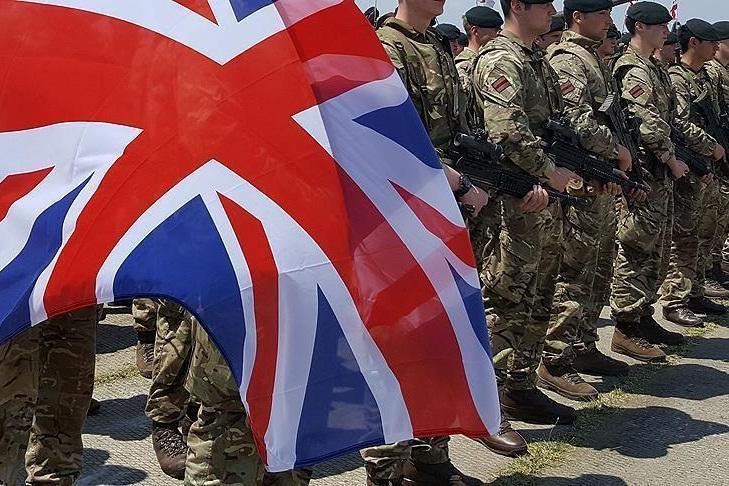 مقام انگلیسی: خودکشی در میان نظامیان به مرز هشدار رسیده است