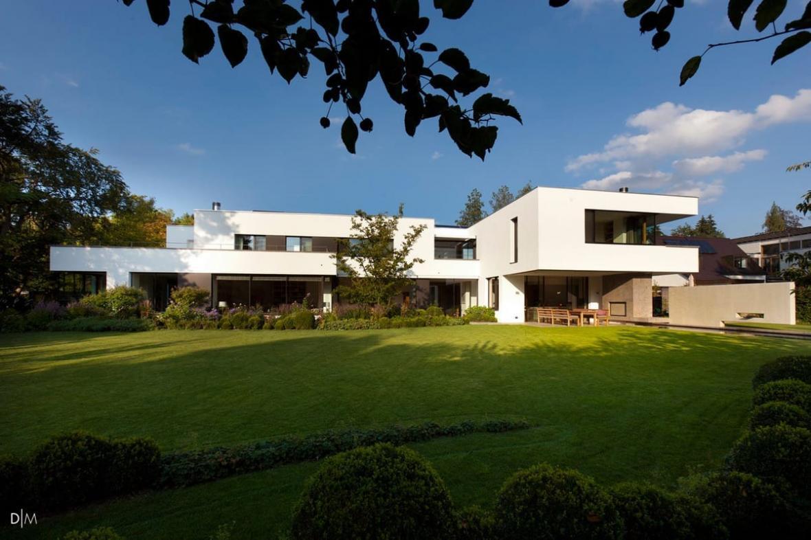طراحی معماری ویلایی به سبک کلاسیک باهاوس در مونیخ