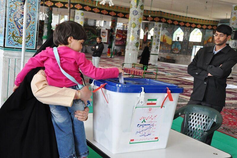 خبرنگاران رای گیری 2 حوزه انتخابیه سمیرم و لنجان به دور دوم کشیده شد