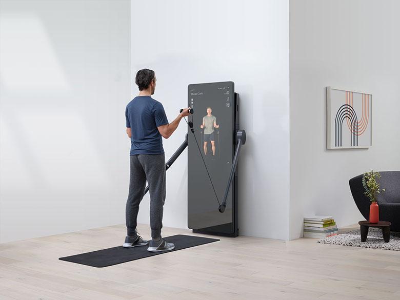 جدیدترین آینه تناسب اندام در خانه به هوش مصنوعی و مربیان آنلاین مجهز است