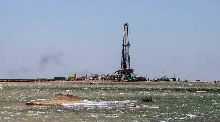 فراوری نفت در خوزستان ادامه دارد