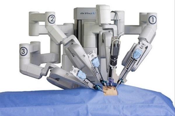 استفاده از ربات ها در عمل جراحی افزایش می یابد
