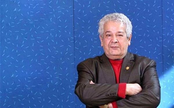 رضا فیاضی به مهمانی به خانه بر می گردیم می رود