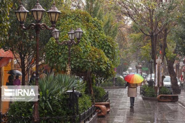 خبرنگاران پیش بینی افزایش ابر و بارش پراکنده باران در تهران
