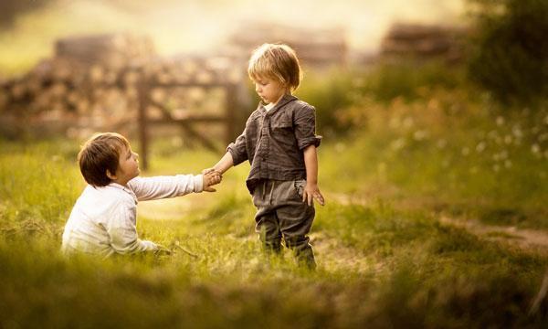 والدین الگوی بچه ها در ارتباط برقرار کردن با دیگران