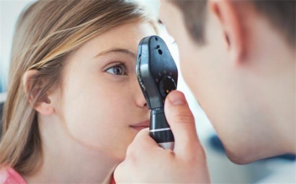 6 خوراکی دم دستی برای تقویت چشم بچه ها