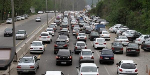 تردد پرحجم خودرو در محور های هراز و کندوان، امروز ترافیک جاده ها بیشتر شد خبرنگاران