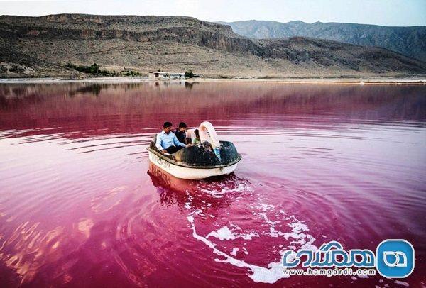 دریاچه مهارلو بدون هیچ امکاناتی مورد بازدید گردشگران قرار می گیرد